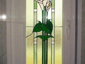 vidriera Tiffany encastrada en el interior de un climalit