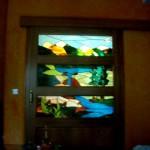 Vidriera con paisaje para puerta grande de salón