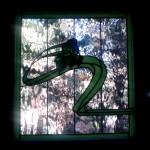 Vidriera insertada en el interior de un climalit para ventana de baño. Fácil limpieza.