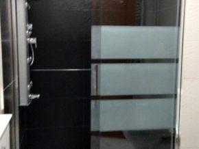 Mampara de ducha sin goma en canto del cristal