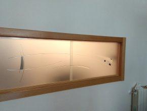 Cristales correderas para pasaplatos decorados con vidrio fusing sobre cristal mate con resina